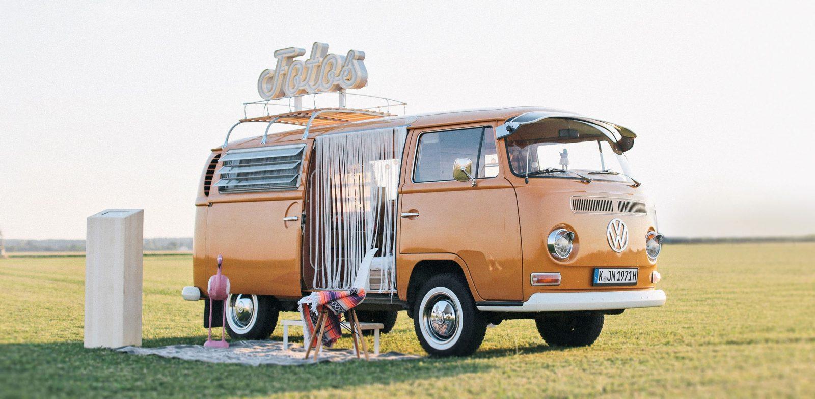 DER VINTAGE VW-BULLI MIT PHOTOBOOTH